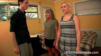 Female Training Step mom Leilani Lei and Sister Fifi Foxx