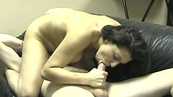 I'M HUNGRY FOR COCK AND CUM