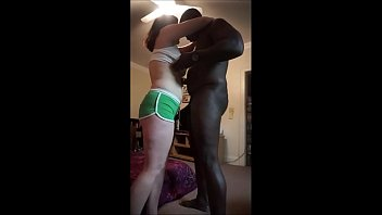 Thick White Slut Wife Used By Black Boyfriend Vorschaubild