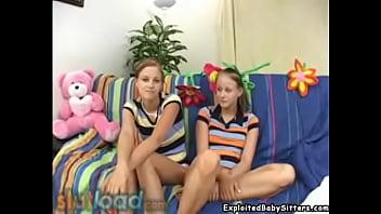 Babysitter gemelle