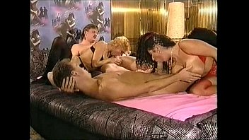 Titten und Analfick full movie 1993 with busty Tiziana Redford porn image