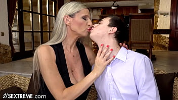 21Sextreme Mature Step-MILF Gives Hands-On Fucking Tutorial On Stepson's Huge Dick 12 min