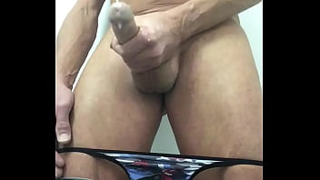 Twink wanking and cumming in your direction