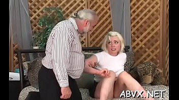 Sultry lady first swallowing
