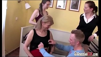 Lucky Boy And GILFs And Grannies In Group Sex 12 min