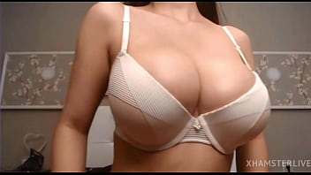 Teen model showing her big boobs in xhamster live - @hee young