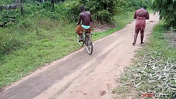 OKONKWO GAVE THE VILLAGE SLAY QUEEN A LIFT WITH HIS BICYCLE, FUCKED HER OUTDOOR thumbnail