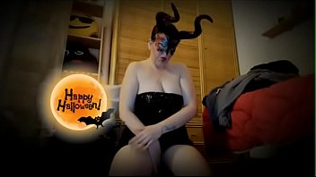 Smell Nicoletta's Maleficent farts while dressed as a witch and put her ass in your face