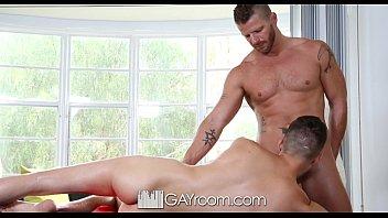 Gay chatt room - Hd gayroom - hunk gets oiled up and fucked