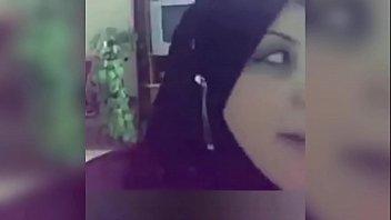 7459 بنت حلوة قمر تغري حبيبها على السرير وينيكها في كسها preview