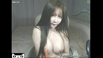 Hot girl korean show boobs