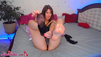Camgirl Masturb ate Pussy and Licks Foot on Br icks Foot on Broadcast Fetish
