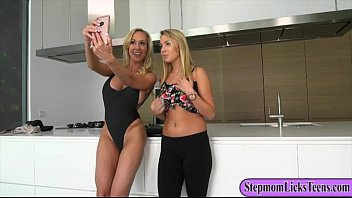 Cali Sparks and Brandi Love pleasuring each others pussies