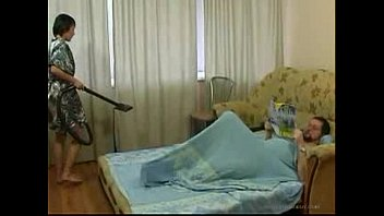 Young Daughter cleaning the room gets fucked by old Father - XNXX.COM
