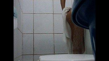 "Spy cam-Girl Shower.AVI <span class=""duration"">4 min</span>"