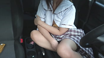 Sexy Student Pinay Kinalikot Ang Puke Sa Loob Ng Sasakyan Ng Kanyang Teacher