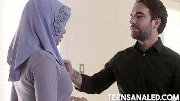 Teenage Anal In Her Hijab 8 min