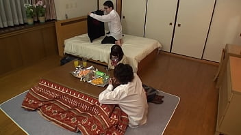 https://bit.ly/3ugTS8H Secretly mischief on the unprotected lower body in the kotatsu! A girl who seems to be an adult has people around her, so she can't make a voice and becomes soaked in her pants ... [Part 3] 17 min