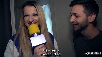 BUMS BESUCH - German blonde pornstar Celina Davis surprise fucks her fanboy 13分钟
