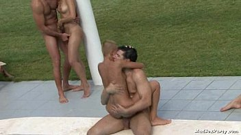 Poolside orgy 34 sec