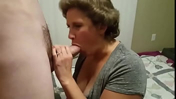 A man filmed his mature wife being fucked 5 min