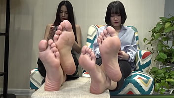Chinese girl's feet and soles 17分钟