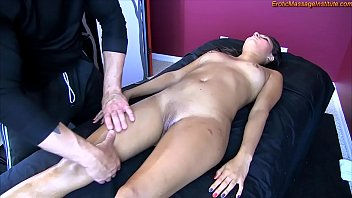 Young Hottie Gets Erotic Massage and Happy Ending thumbnail