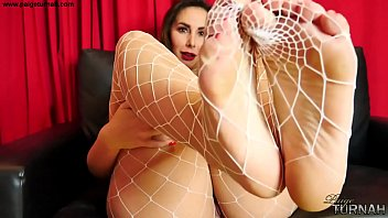 Paige Turnah BBW Fishnets foot fantasy wank