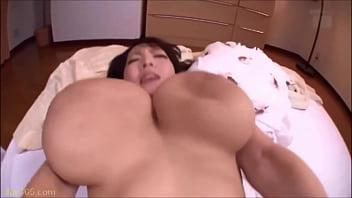 Hitomi Tanaka Armsboobs