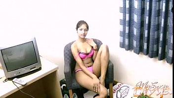 Amateur Indian chick Divya and her toy 3 min