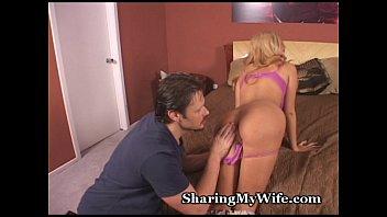 Wonderful Wifey Offers Pussy