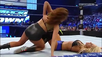 Eve Torres vs Michelle McCool. Smackdown 2009.