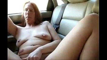 4573494 saggy mature car masturbation