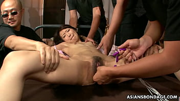 Slim model, Yuzu Shiina likes group sex with many men