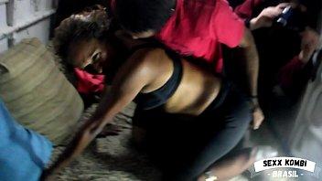 Noia Casada realiza o sonho de gravar um pornô na Kombi (Completo no RED)