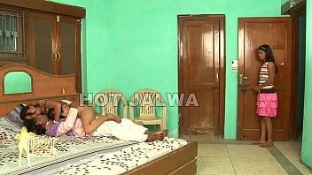 Badi Bhan Nokar Se Choti Bhan Padosi Se -sexdesh