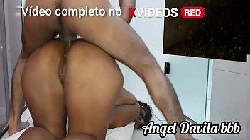 Comendo o cu da safada no chão Angel Davila