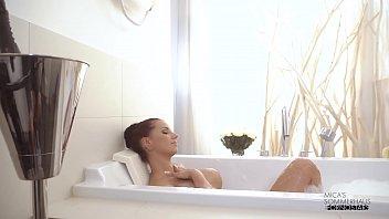 RealityLovers - Micaela Schaefer mit lesbischer Freundin Vorschaubild
