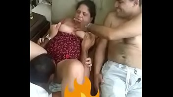 Desi Bhabi Aunty More www.kand69.com