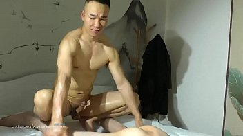 Chinese Muscle Nude Massage