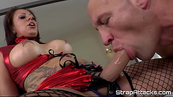 Inked pegging mistress allows her sub to cum