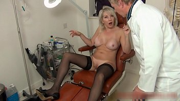 Christie seduces her doctor to give her an anal seeing to