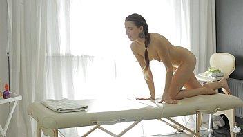 Taissia Shanti massage DP - Fantasy Massage 6 min