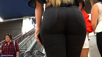 A Plump Teen With A Round Ass, Perfectly Highlighted In A Narrow Jeans