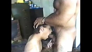 หนังเกย์ออนไลน์คลิปโป๊เกย์หนุ่มฝรั่งเข้ามาเสียว อยู่กับหนุ่มรุ่นพี่อมควยให้ก่อน