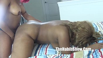 Chiraqs Sexy Freaky Lesbians Ghetto Lovers Golden And Thickredxxx