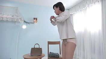 《人妻初撮り》激しいのが好きなんです、、、♡欲求不満マダムがチンポ欲しさにAV志願!美ボディさらして淫乱行為www