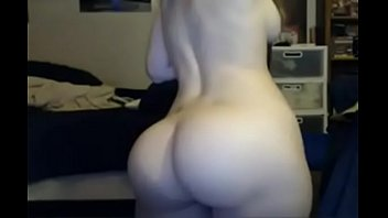 Lightskinned big booty