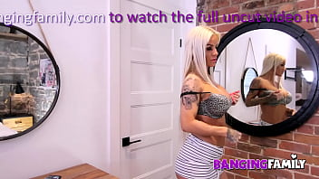 Banging Family - Busty Blonde Milf Banged by Young Step-Mom Hunter 12 min