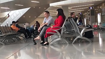Cams4free.net - Chinese Woman Dangling at Airport 93 sec
